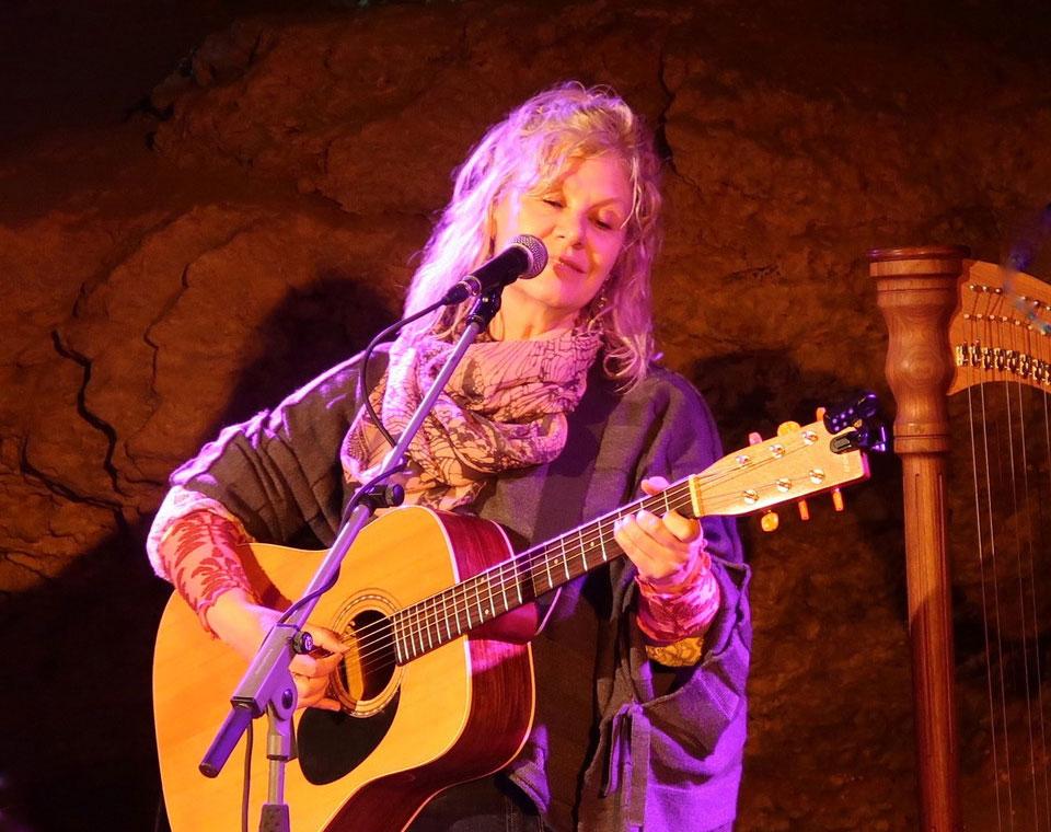 25. Juli 2019 – Jeanine Noyes – Liedermacherin aus Toronto